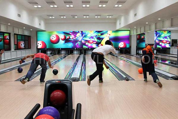 بولینگ بازی در تهران