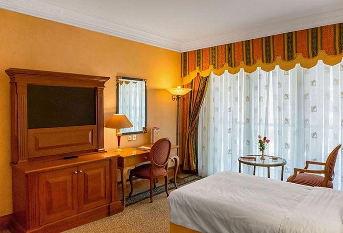 هتل استقلال 5 ستاره تهران